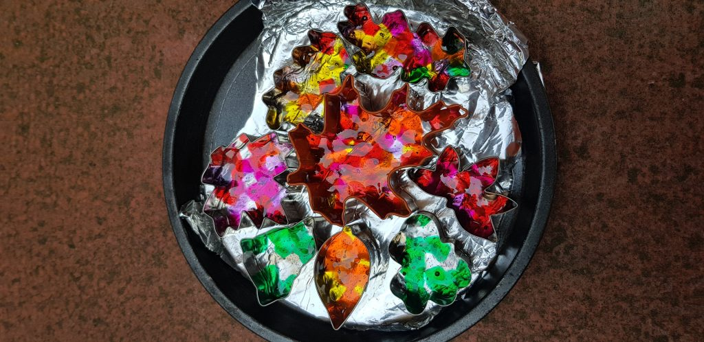 Pony bead melted into leaf shapes is an amazong craft for autumn.