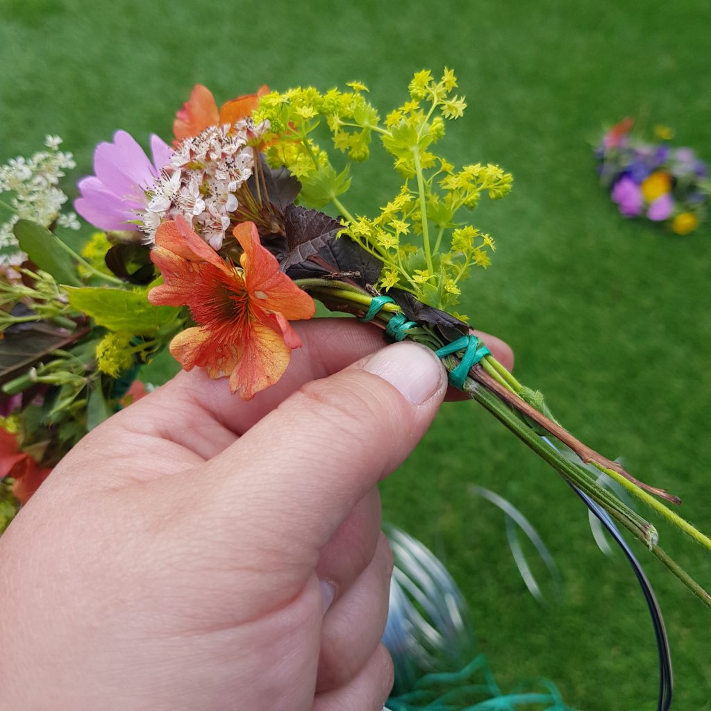 Learn how to make a Flower crown. Its a fun, simple and beautuful craft to try with your kids. Easy way to brighten their hair for any party and a fun way to spend time together using flowers from your garden.