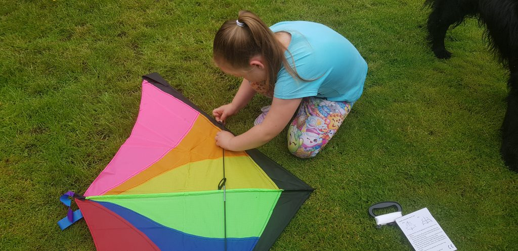 Building a new anpro kite for kids